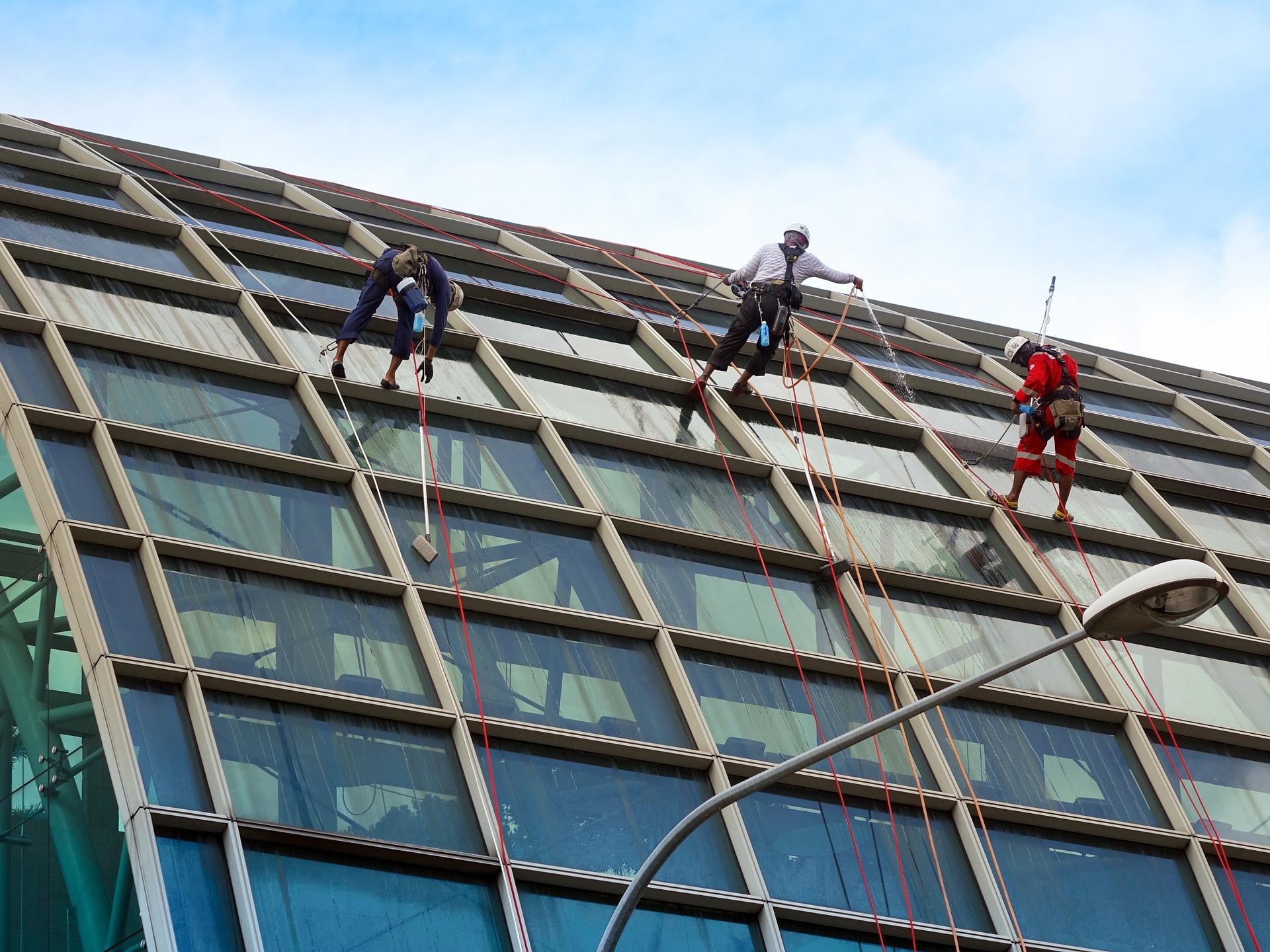 7 tips om veiliger te werken in de bouw en industrie