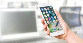 Een refurbished iPhone is tweedehands maar zo goed als nieuw, en veel goedkoper.