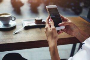 Noodzakelijkheidscriterium smartphone van de zaak